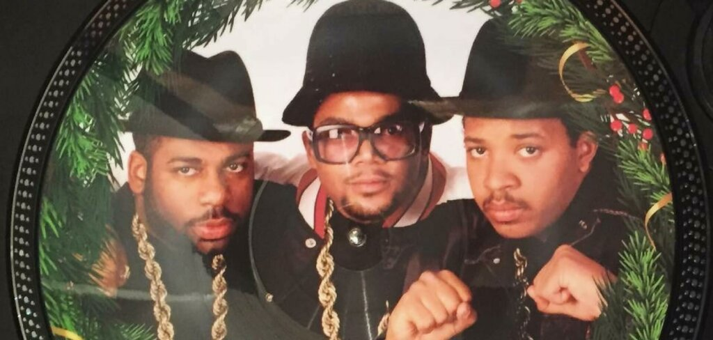 Run Dmc Christmas.Top 5 Hip Hop Christmas Songs Features Mn2s