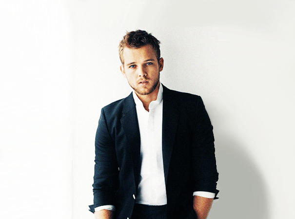 Max-Thieriot-MN2S